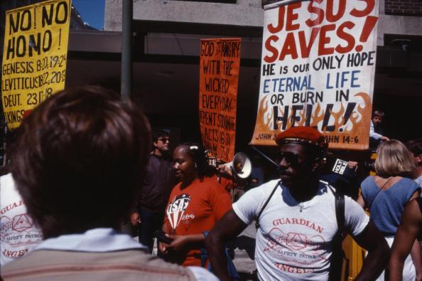 Manifestants Chrétiens homophobes, juillet 1984 © Jean-Baptiste Carhaix