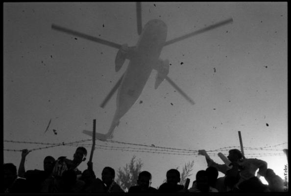 Le dernier voyage de Yasser Arafat, novembre 2004 © Alain Keler / MYOP